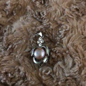 Gorgeous New Freshwater Pearl Silver Tone Pendant!
